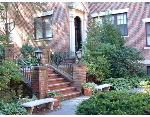 1988 Commonwealth Avenue, Boston, MA 02135