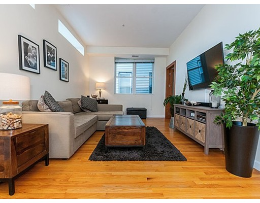156 Chelsea, Boston, MA 02128