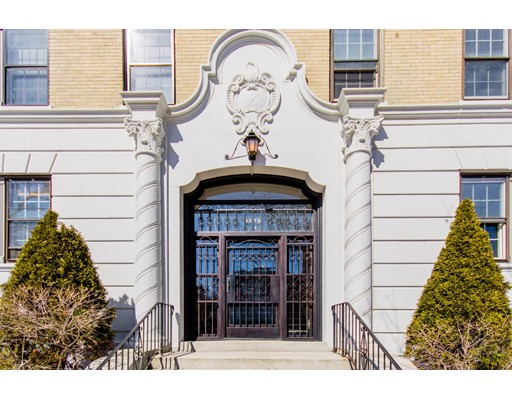 1272 Beacon Street, Unit 1, Brookline, MA 02446