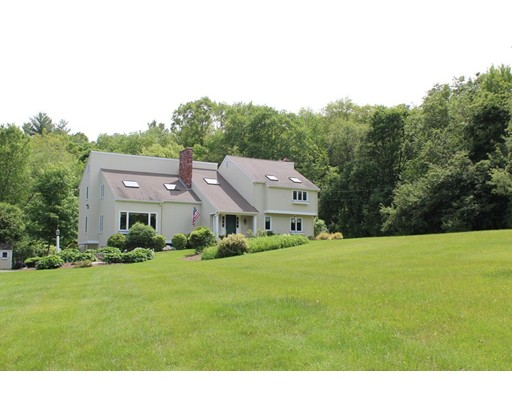 23 Hunting Lane, Sherborn, MA