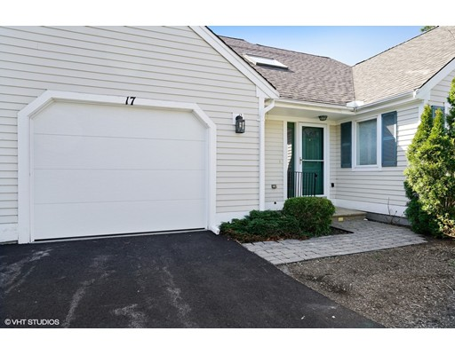 17 Mainsail Circle, Mashpee, MA 02649