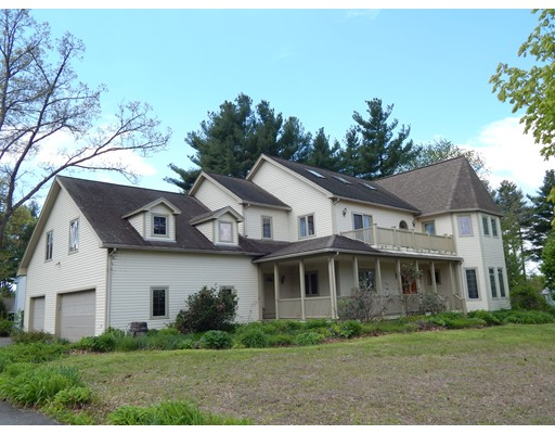 Photo of 19 White Pine Rd Amherst MA 01002