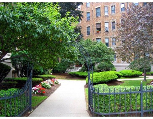 122 The RIVERWAY, Boston, Ma 02215