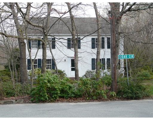 2 Oak Circle, Dover, MA