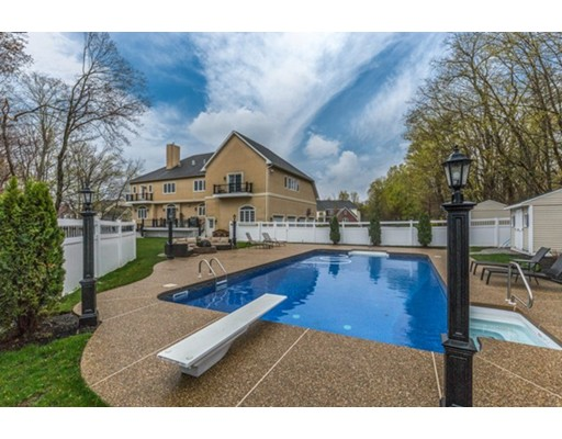 2 Bridle Path, Lynnfield, MA