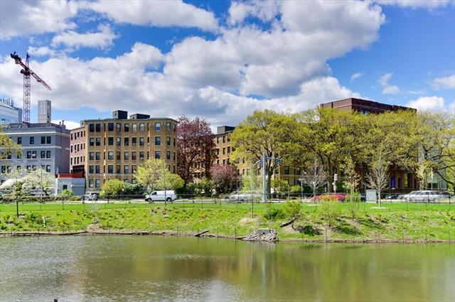 118 Riverway, Boston MA Real Estate Listing | MLS# 72157946