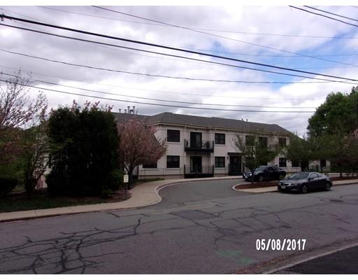 558 E Merrimack, Lowell, MA 01852