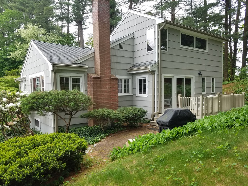 7 tanglewood circle reading ma real estate listing mls for Houses for sale under 20000 near me