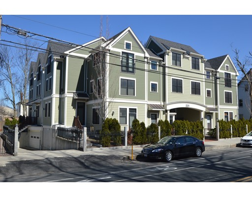 221 Beacon Street, Somerville, MA 02143