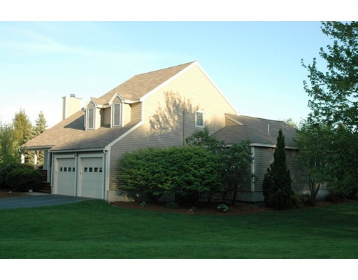 8 Meadow Drive, Littleton, MA