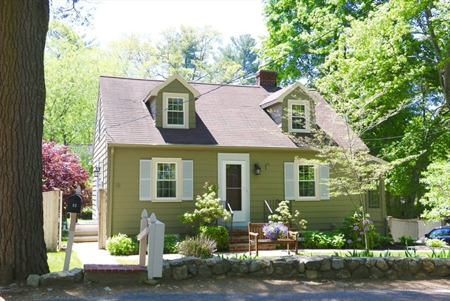 13 Spruce Road Reading MA 01867