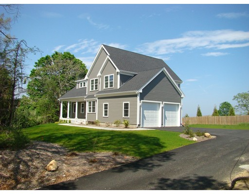 12 Center Hill Road, Plymouth, MA