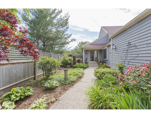 2 Cutting Cross Way, Wayland, MA 01778