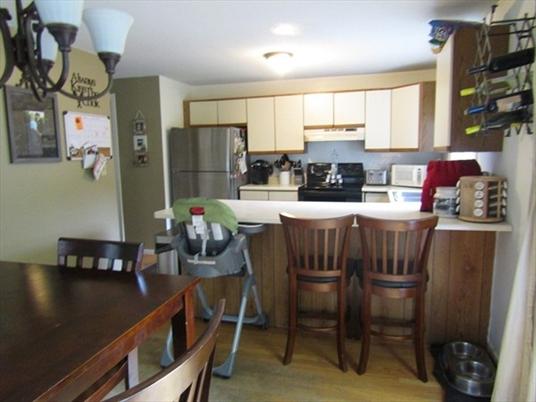 76 Laurel St, Greenfield, MA: $147,500