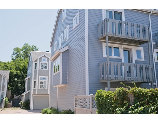 9 Rollins Court, Cambridge, MA 02139