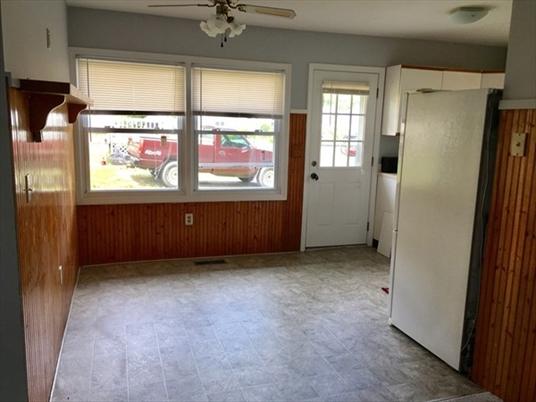 302 Wells St, Greenfield, MA: $144,900