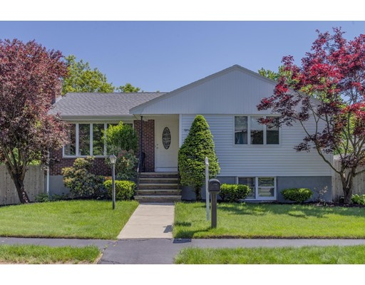 15 Brookfield Lane, Saugus, MA