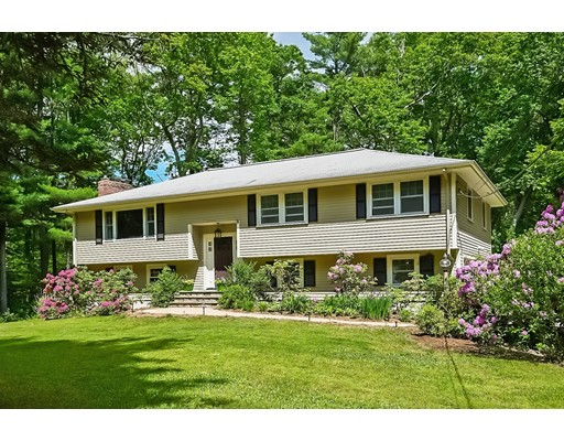 6 Troutbrook Road, Dover, MA