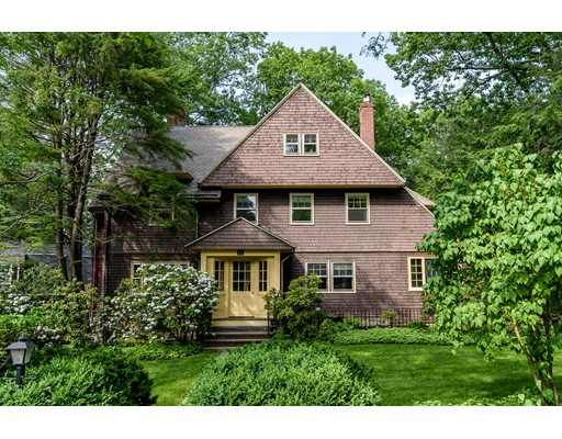 62 Circuit Road, Brookline, MA
