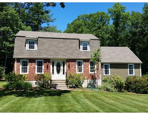 Photo of 17 Dianne Ln Ashland MA 01721