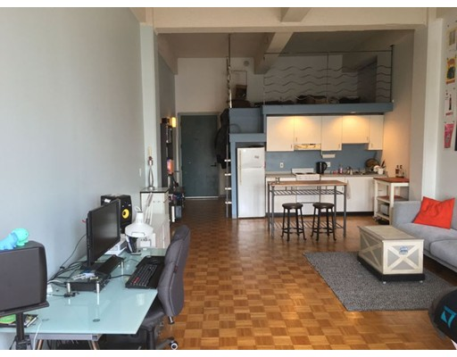 61 Brookline Avenue, Unit 208, Boston, Ma 02215
