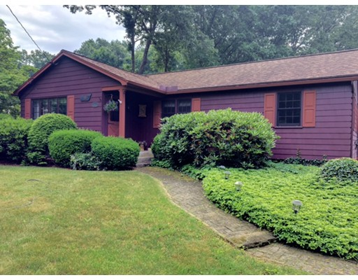 33 Pebble Path Lane, West Springfield, MA