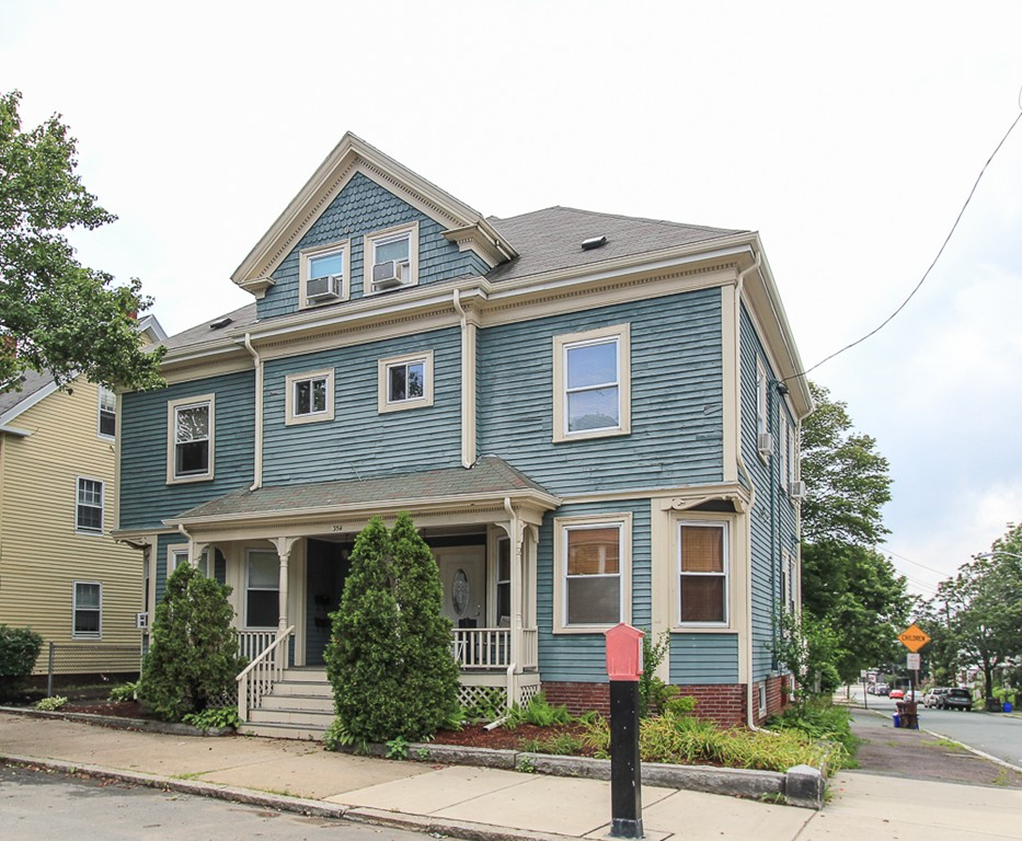 354 CABOT STREET 1, Beverly, MA 01915