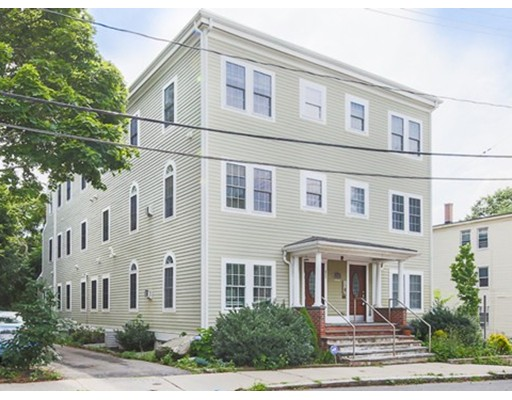 Photo of 104 Woodstock St Somerville MA 02144