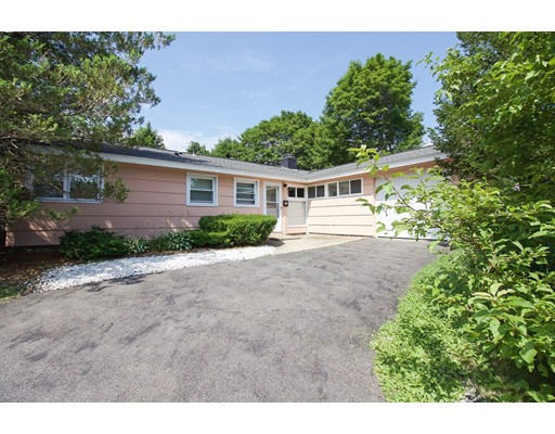 12 Wellesley Rd, Beverly, MA
