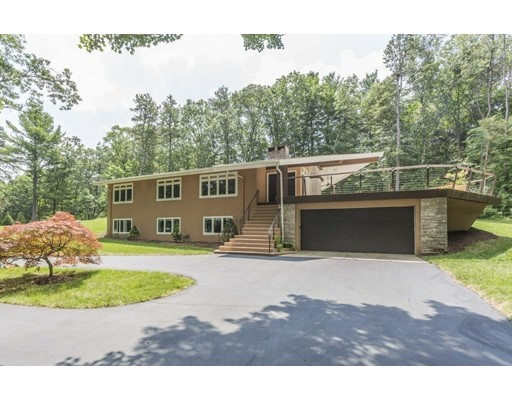 10 Meadowbrook Road, Dover, MA