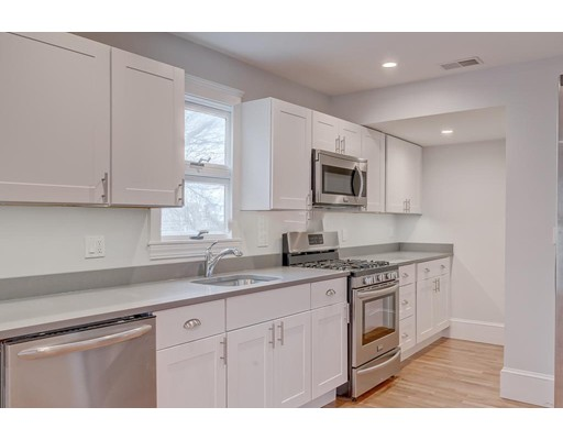 172 Saint ALPHONSUS, Boston, Ma 02120