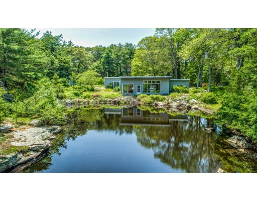 9 Barberry Heights Road, Gloucester, MA