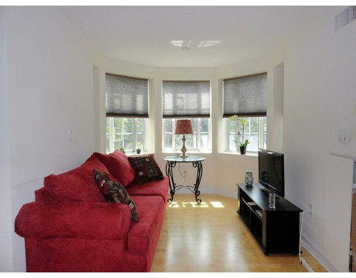 20 Chapel Street, Brookline, MA 02446