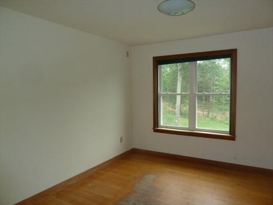 555 Northfield Road, Warwick, MA: $299,500