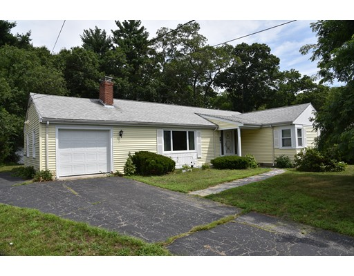 Photo of 82 Gloucester Rd. Westwood MA 02090