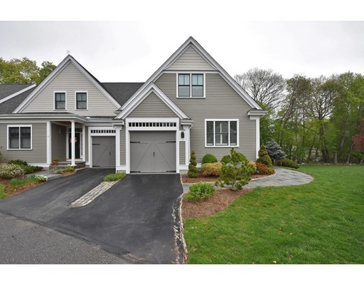 1 Courtyard Place, Reading, MA 01867