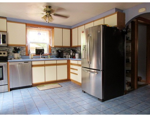 228 Old County, Westfield, MA 01085