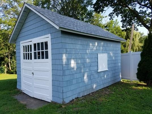 233 Silver St, Greenfield, MA: $164,000