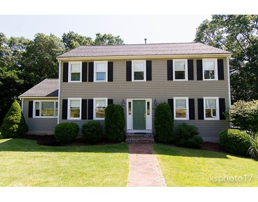 Photo of 20 Castle Rd Norfolk MA 02056