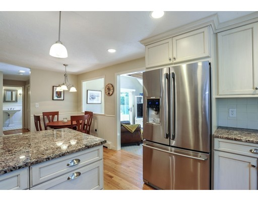 Photo of 31 Maple Pond Ln Duxbury MA 02332