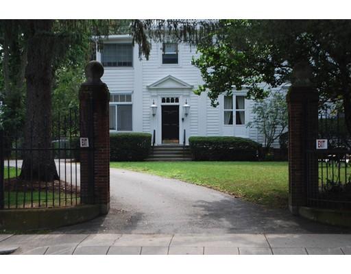 594 Washington Street, Wellesley, MA 02482