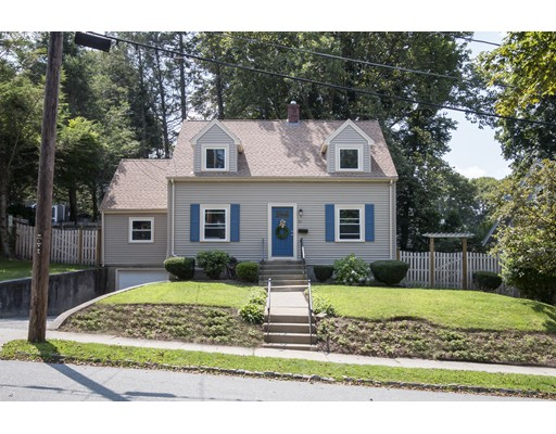 21 Englewood Road, Winchester, MA