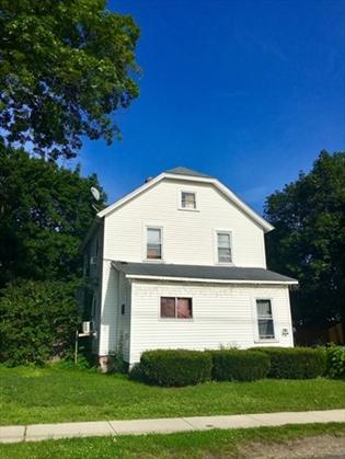 181 Elm St, Greenfield, MA: $159,900