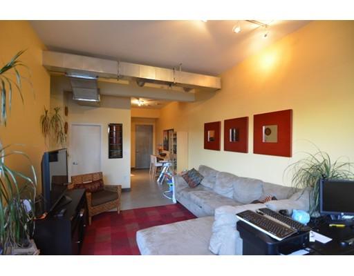 950 Dorchester Avenue, Boston, MA 02125