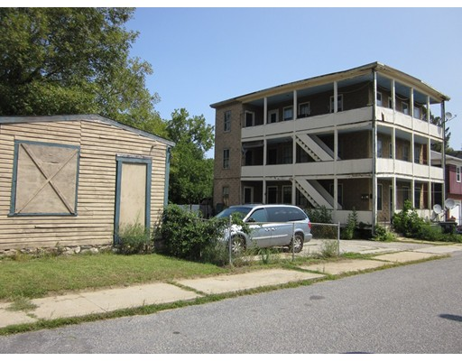 79 Fairlawn Avenue, Southbridge, MA 01550