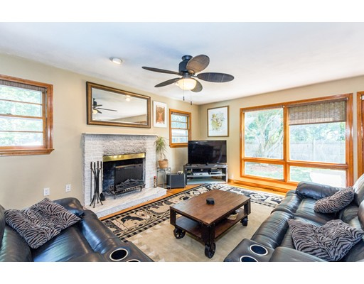 6 Maple Rd, North Reading, MA