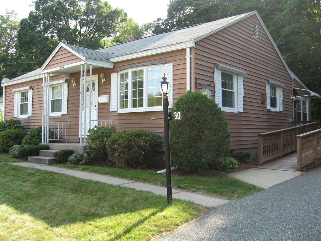 Phenomenal 30 Anne Street East Longmeadow Ma Real Estate Listing Mls Home Interior And Landscaping Palasignezvosmurscom