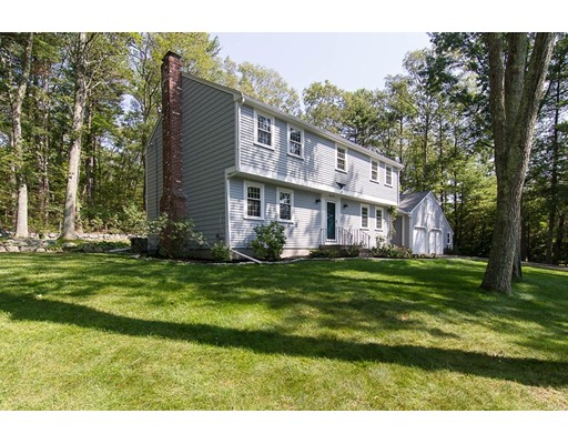 22 Indian Hill Road, Medfield, MA