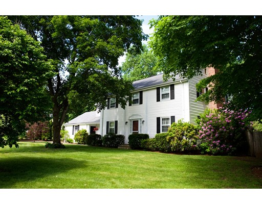 69 Standish Circle, Wellesley, MA
