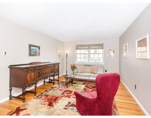 4 Colonial Village Drive, Arlington, MA 02474